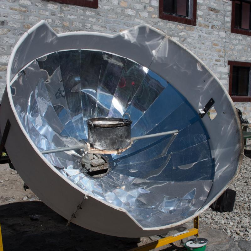 Four solaire et casserole